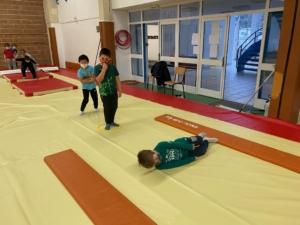 gymnastique-ce1-ecole-saint-françois-caen